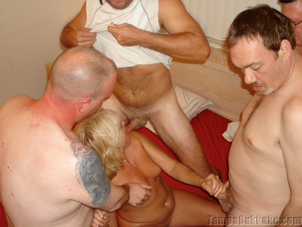 Older Blonde Is Getting All Her Holes Filled Up With Shlong